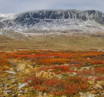 Hallingskarvet fra høst til vinter. Foto: Lars Verket